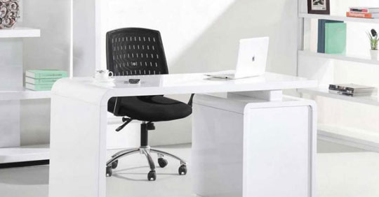 Smart Desk provider in Dubai, UAE